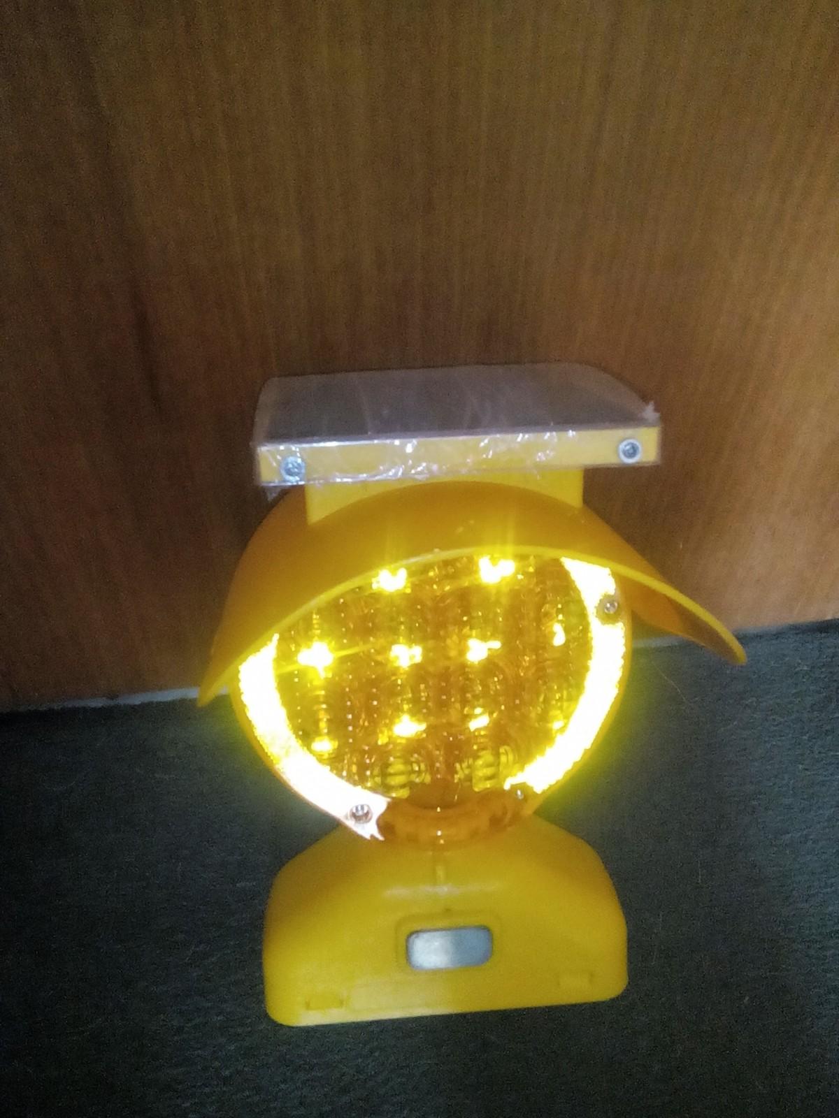 Baliza autónoma solar B-Lite funacionamiento 24/7